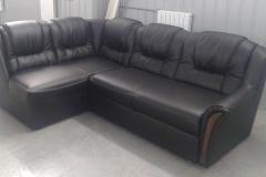Перетяжка углового дивана в экокожу