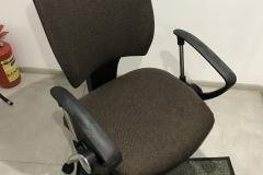 Обивка и перетяжка офисного кресла