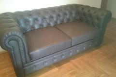 Замена обивки на пикованном каретной стяжкой диване Честер