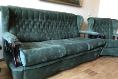 Перетяжка и ремонт дивана и кресла в мастерской