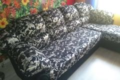 Перетяжка кожаного углового дивана в ткань. Замена поролона